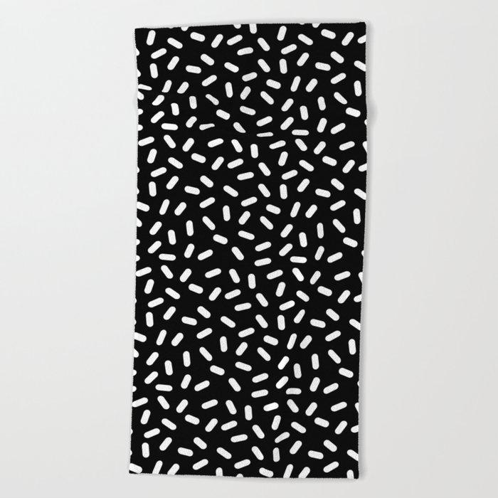 Bingo - black and white sprinkle retro modern pattern print monochromatic trendy hipster 80s style Beach Towel