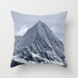 Nevado Piramide Mountain Throw Pillow