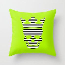 skull king green II Throw Pillow