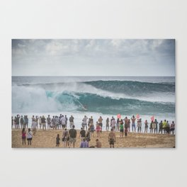 Massive wave at Banzai Pipeline, Northshore Oahu, Hawaii Canvas Print