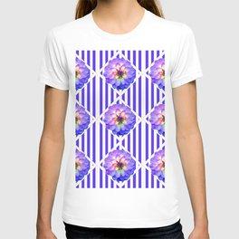 STRIPED PURPLE PATTERNED LILAC PURPLE-WHITE DAHLIA GARDEN  FLOWERS GARDEN ART T-shirt