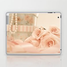 Romantic pink roses and pearls (Retro and Vintage Still Life Photography) Laptop & iPad Skin
