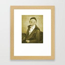 Auto retrato Framed Art Print