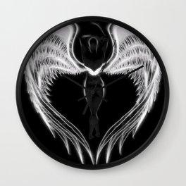 Angel negro de alas blancas Wall Clock