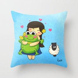 Nootchi et la grenouille Throw Pillow