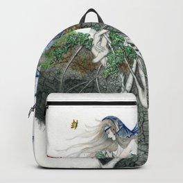 Hada en un tronco Backpack