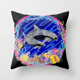Vaquita Porpoises In Sea life Wreath Throw Pillow