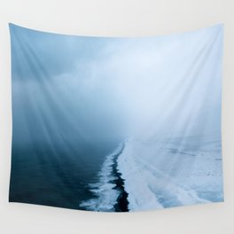 Infinite and minimal black sand beach in Iceland - Landscape Photography Wall Tapestry