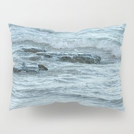 Rocks in Pacific Ocean on the East Coast of Queensland, Australia Pillow Sham