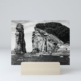Cliff Diving event Mini Art Print