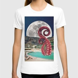 Octopus in the pool T-shirt