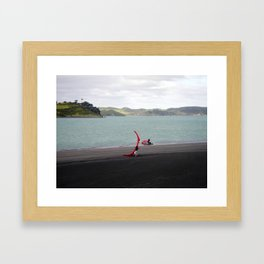 """LAUNCHING RAGLAN"" kitesurf . kite . surf Framed Art Print"
