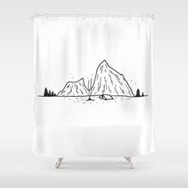 Campement à la montagne Shower Curtain
