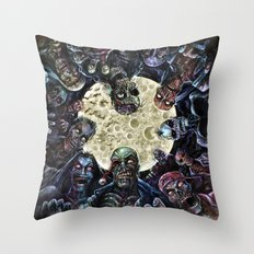 Zombies attack (zombie circle horde) Throw Pillow