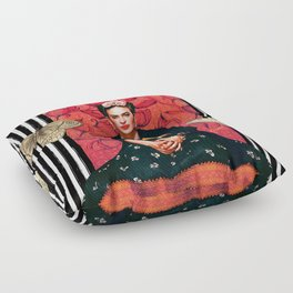 Frida enamorada Floor Pillow