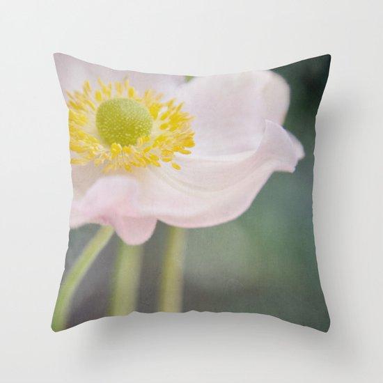 Anemone love II Throw Pillow