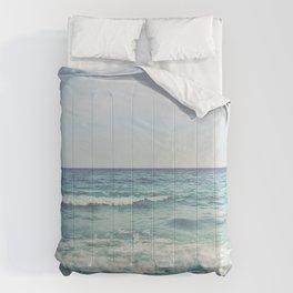 Ocean Crashing Waves Comforters