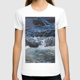 Rocks at Mississippi Headwaters T-shirt