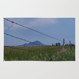 Bear Butte Barbed Wire Rug