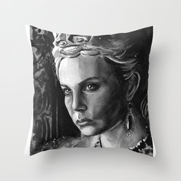 Queen Ravenna Throw Pillow