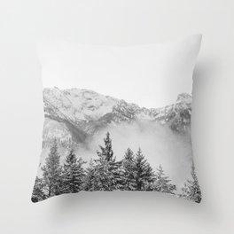 Divljina Throw Pillow