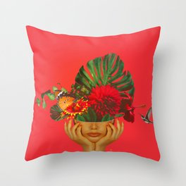 Florália Throw Pillow