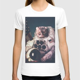 Beautiful cat astronaut T-shirt