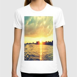 Sunset watEr :Houses Off the River T-shirt
