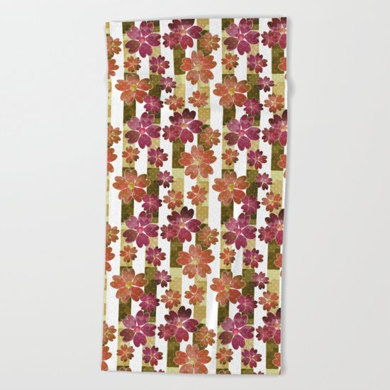 Retro . Floral pattern in yellow and brown tones . Beach Towel