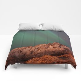 Mountains Landscape: Northern Lights - Aurora Comforters
