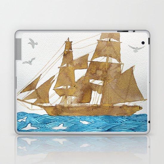 Accompanied - Acompañado - Accompagné Laptop & iPad Skin