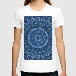 Detailed mandala in dark and light blue tones T-shirt