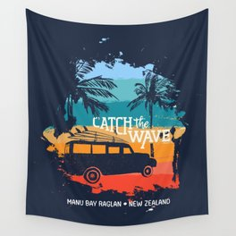 Summer Vacation In Manu Bay Raglan, New Zealand. Holiday Illustration With Text Quote, Car And Surf Boards On Tropical Beach. Vintage Texture Design Wall Tapestry
