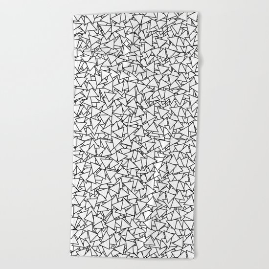 Black and White Triangles Dizzy All-Over Pattern Beach Towel