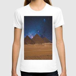 Great Giza Egyptian Pyramids of Menkaure, Khafre and Khufu under Stars T-shirt