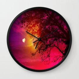Liebesgrüsse Wall Clock