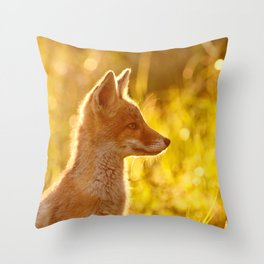 Le P'tit Renard Throw Pillow