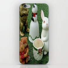 Party on the Lawn! iPhone & iPod Skin