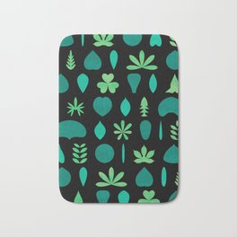 Leaf Shapes and Arrangements Pattern Dark Bath Mat