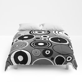 Geometric black and white rings on metallic silver Comforters