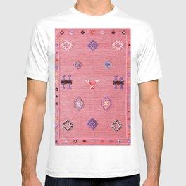 Pink Oriental Traditional Boho Moroccan Style Design Artwork T-shirt