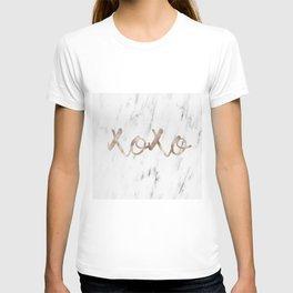 Rose gold marble XOXO T-shirt