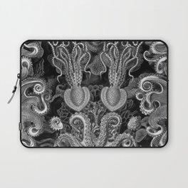 The Kraken (Black & White - NoText, Alt.) Laptop Sleeve