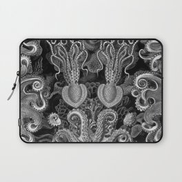 The Kraken (Black & White - NoText, Alt.) Laptop Sleeve