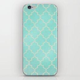 clove iPhone Skin