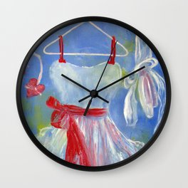 Robe au ruban rouge Wall Clock