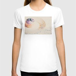 afternoon tea & a cupcake ... T-shirt