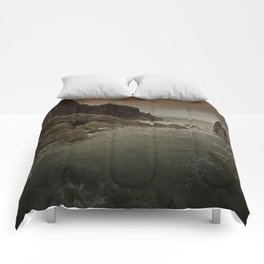 Rough see, rough clifs Comforters