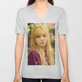 Korea's Mona Lisa Unisex V-Neck