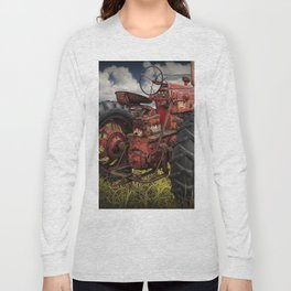Abandoned Old Farmall Tractor in a Grassy Field on a Farm Long Sleeve T-shirt